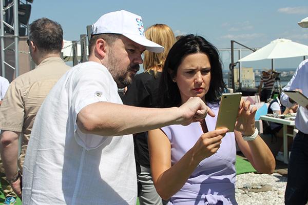 Поиск спутника в приложении на смартфоне